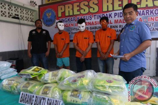 Polisi sita 25 kg sabu dan 50.000 ekstasi dari dua jaringan