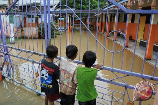 Seribu lebih rumah di Jember terendam banjir