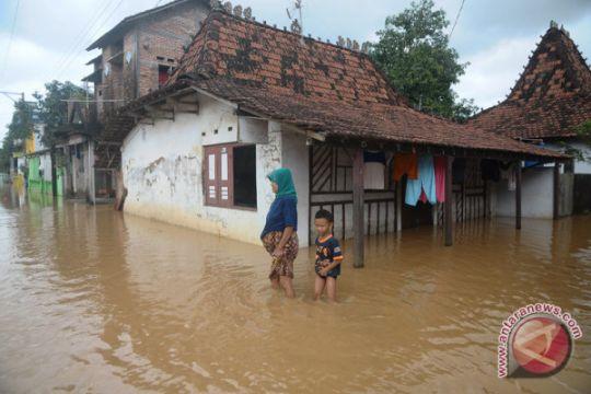 Warga Kudus mulai mengungsi akibat banjir