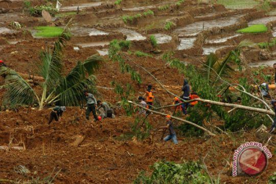 Pencarian korban longsor Brebes dihentikan, tujuh belum ditemukan