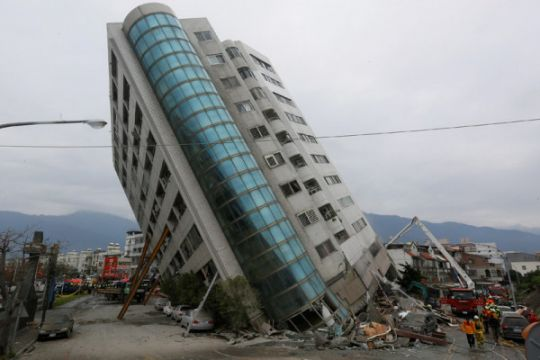 Gempa 5,9 skala Richter bangunkan warga Meksiko, peringatan dibunyikan