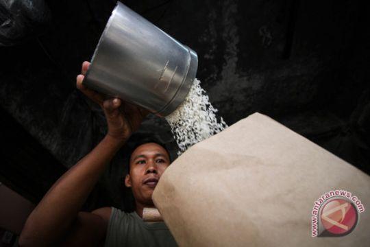 Mendag minta pedagang jual beras sesuai HET