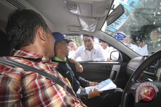Hampir semua pengemudi angkutan daring tak lulus ujian SIM A Umum