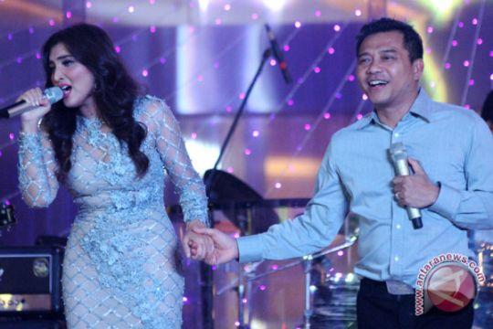 Foto Kemarin: Penampilan Anang dan Ashanty