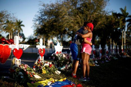 Pria bersenjata serahkan diri setelah membunuh lima korban di Florida