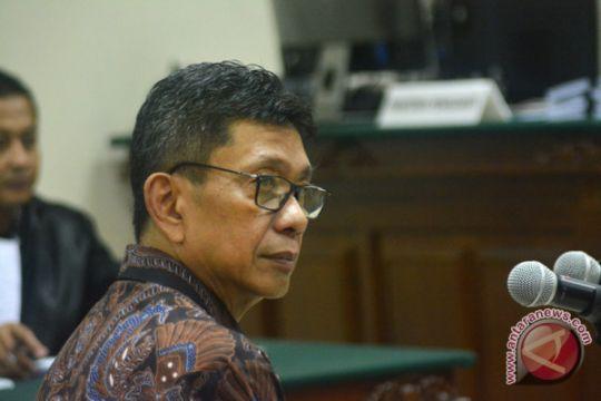 Eddy Rumpoko didakwa terima satu unit Alphard