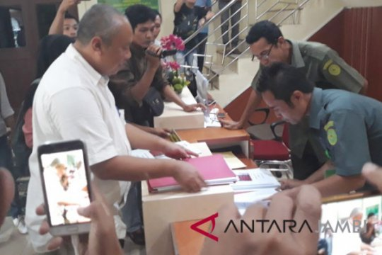 KPK limpahkan tersangka suap APBD ke Pengadilan Tipikor Jambi