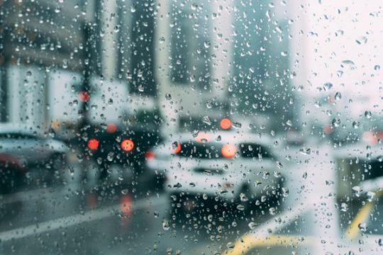 Seluruh Jakarta waspada hujan siang