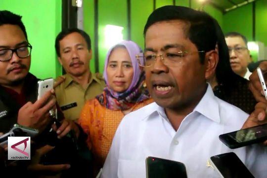 Mensos berikan bantuan untuk korban banjir di Cirebon