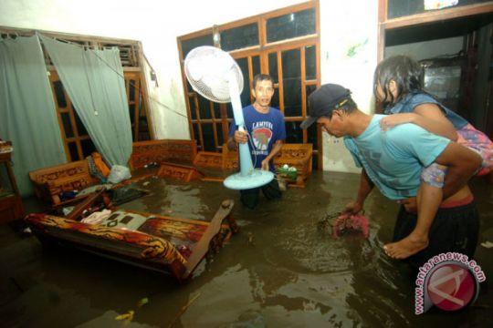 Banjir Mangkang Semarang genangi ratusan rumah