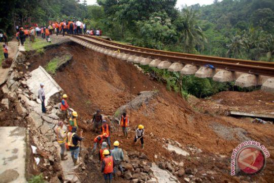 Rabu jalur Bogor-Sukabumi bisa beroperasi