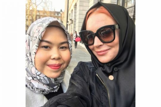 Tika Mulya, sosok di balik kerudung Lindsay Lohan