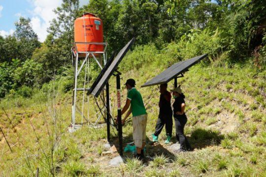 Solar panel untuk para orangutan di Samboja