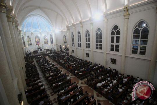 Misa kamis putih di Surabaya