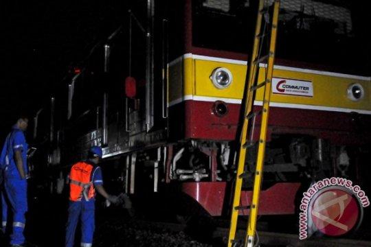 Pintu KRL tujuan Bogor sempat mengeluarkan asap