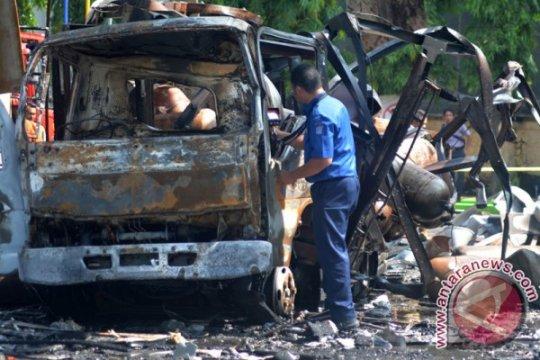 Ledakan truk modifikasi pengangkut BBM saat pengelasan tewaskan dua orang