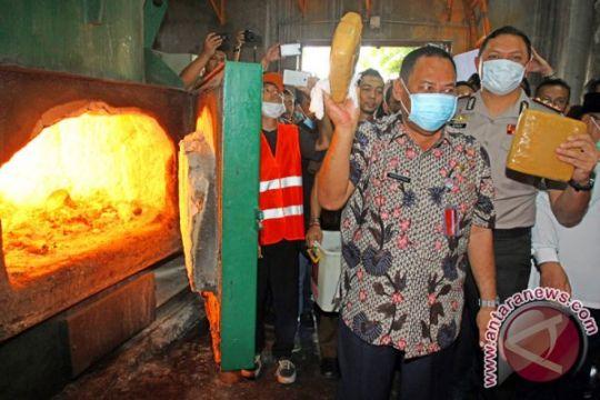 Polres Jakarta Barat musnahkan 1,3 ton ganja