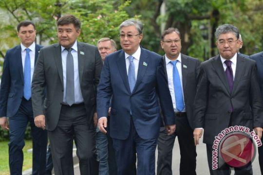 Kassym-Jomart Tokayev ambil alih jabatan presiden Kazakhstan