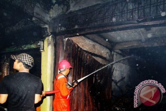Sembilan ruko terbakar di Dumai