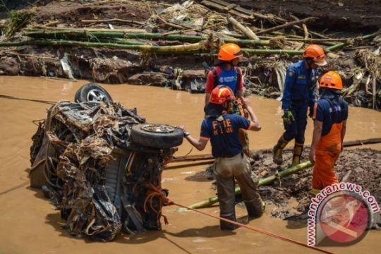 8,3 ton beras bagi korban banjir Cicaheum