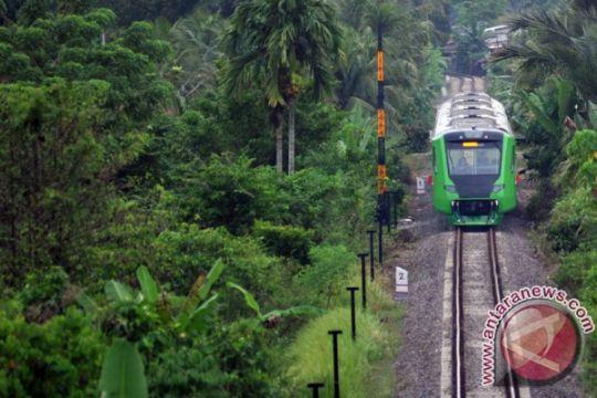 Menhub nyatakan KA Bandara Minangkabau kurangi kepadatan kendaraan