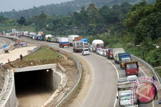Volume kendaraan dari Bogor menuju Sukabumi membludak