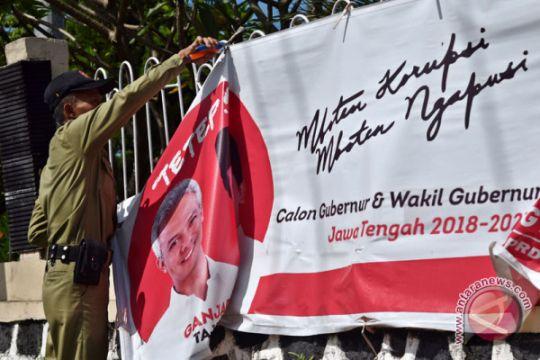 Penertiban APK di Semarang