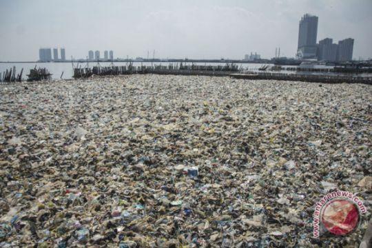 Sampah di teluk Jakarta