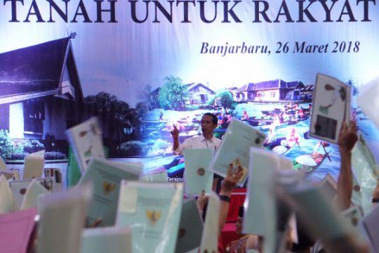 Presiden saksikan pembagian ribuan sertifikat masyarakat Kalsel