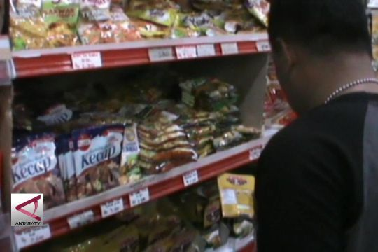 Polisi Ambon sita aneka  produk makanan kadaluwarsa