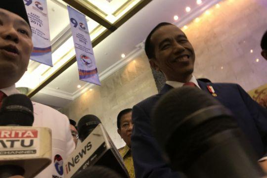 Presiden tertawa tanggapi prediksi Indonesia bubar 2030