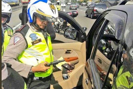 Pengemudi todongkan airsoft gun di Kuningan ditangani polisi