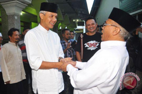 Foto kemarin: Ganjar kunjungi tokoh Agama