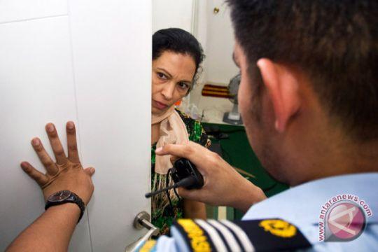 Imigrasi Palu kembali deportasi tiga warga China bermasalah