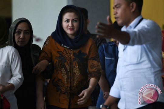 KPK periksa Setya Novanto dan istrinya