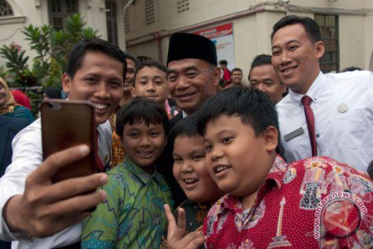 Foto Kemarin: Mendikbud kunjungi SIKL Malaysia