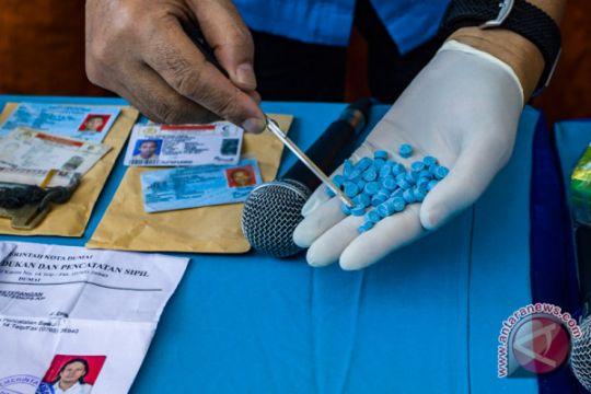 Polisi musnahkan 576 pil ekstasi dengan cara diblender