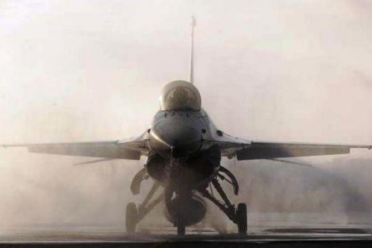 Jet F-16 jatuh di Turki Tengah, seorang prajurit tewas