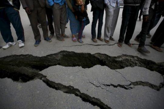Gunung berapi PNG meletus, paksa warga desa selamatkan diri