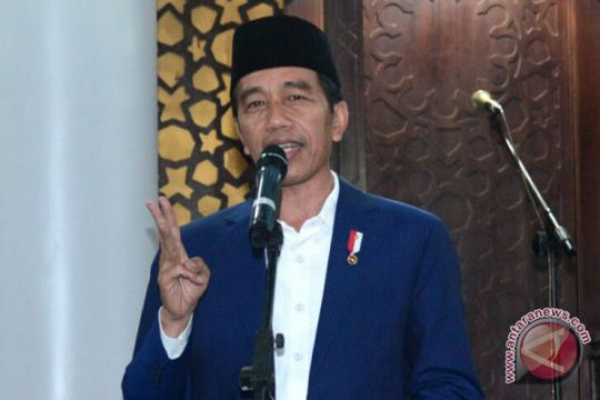 "Artikel - Jokowi di tepian ""Padang Kurusetra"""