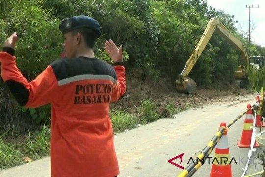 Dua warga Matasirih Kotabaru tertimbun tanah longsor