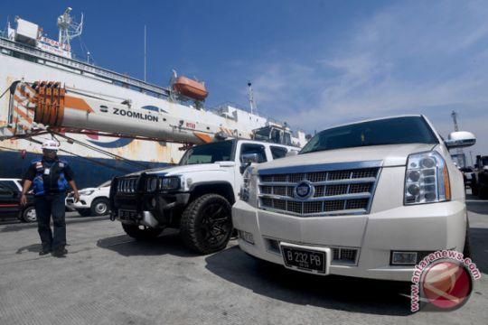 Bupati Abdul Latif tanggapi penyitaan 16 kendaraan mewahnya