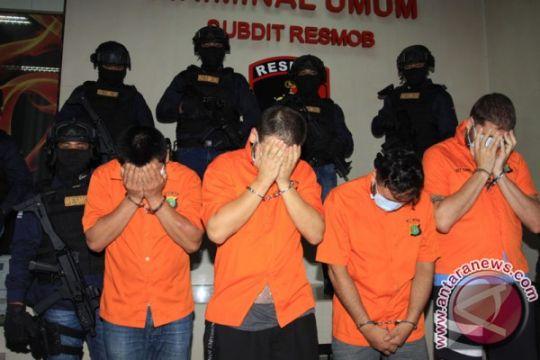 """Polda Bali tangkap lima warga Bulgaria dalam kasus """"skimming"""""""