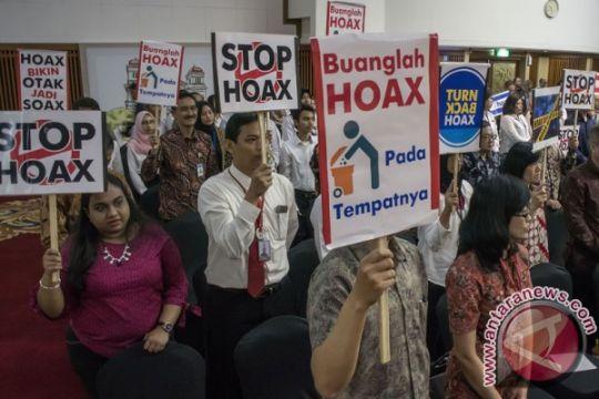 Hoaks dan Gelembung Isolasi Politik
