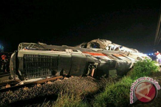 Sejumlah kereta terlambat akibat jalur Ngawi lumpuh