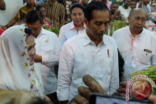 Jokowi tinjau pasar mama mama Papua