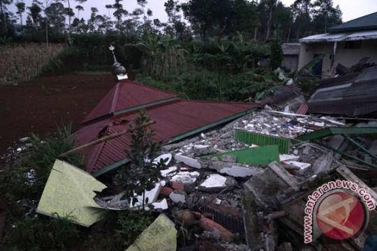 Pemkab Bajarnegera tetapkan tujuh hari tanggap darurat terkait gempa