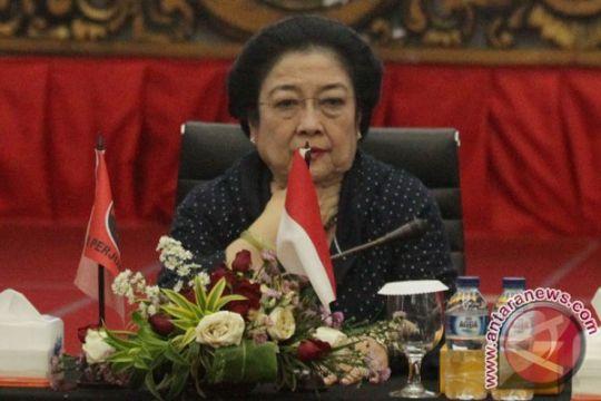 Megawati: Kemenangan politik harus diraih secara demokratis