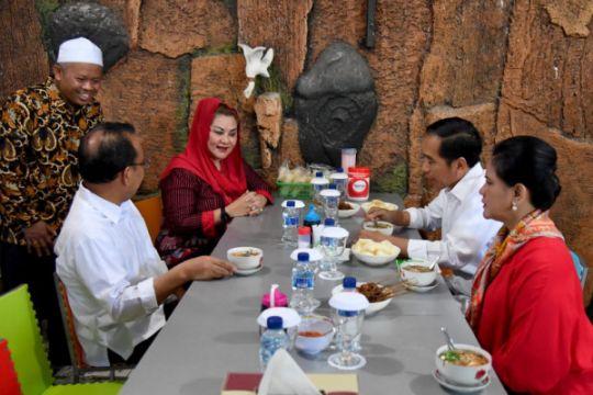 Presiden awali hari dengan soto di Semarang
