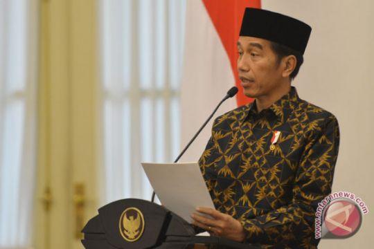Presiden Jokowi ucapkan selamat kepada Mahathir